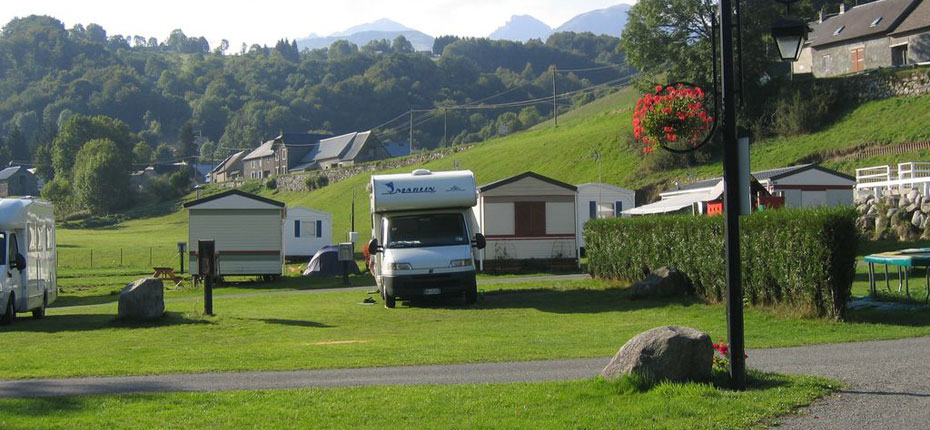 Des grands emplacements pour le camping