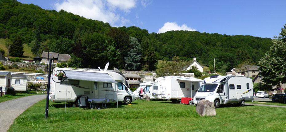 Les camping cars sont les bienvenus au camping