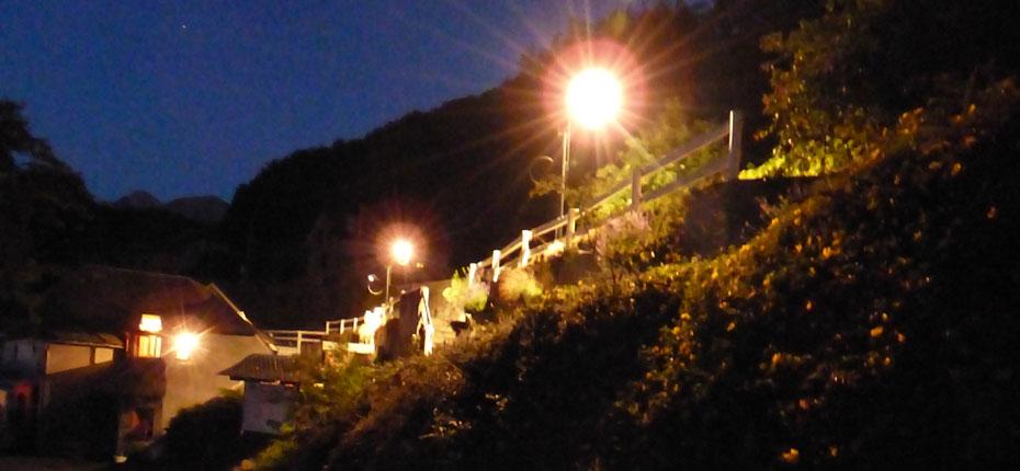 camping hautes pyrenees de nuit